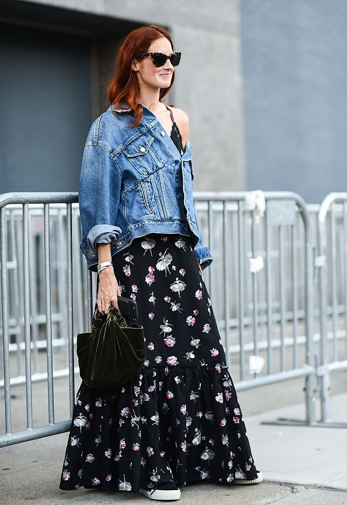 רְחוֹב style jean jacket and maxi dress