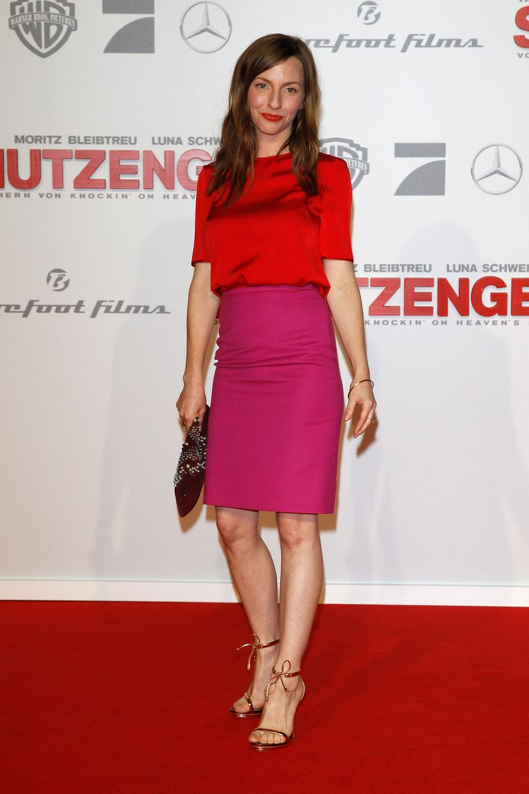 Katharina Schuettler in pencil skirt - colorblocked