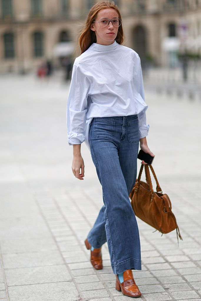 Fellobbanás jeans with a crisp blouse for work