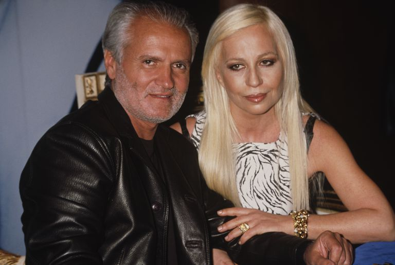 Италијан fashion designers Gianni (1946 - 1997) and Donatella Versace circa 1996