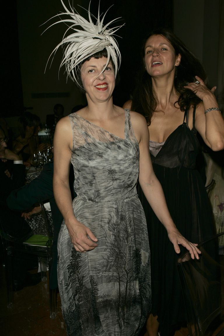 Исабелла Blow and Kala Otto at the amfAR's Cinema Against AIDS Venice in 2004