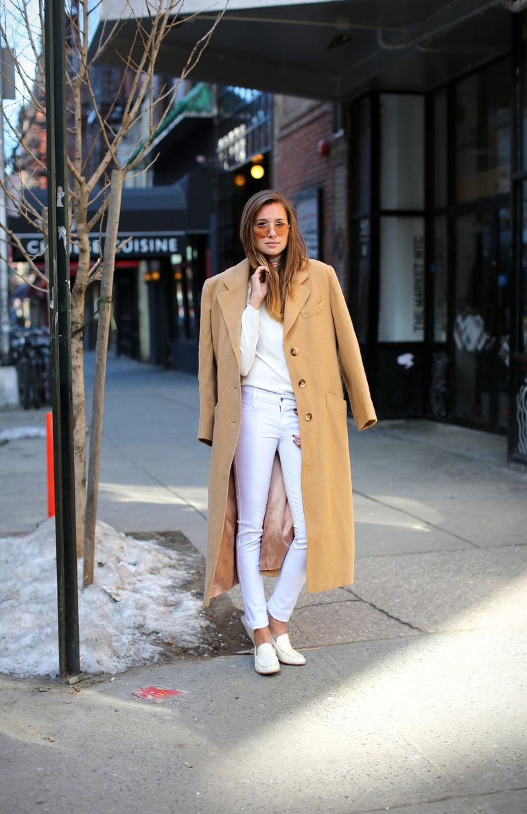 Vit skinny jeans and camel coat outfit