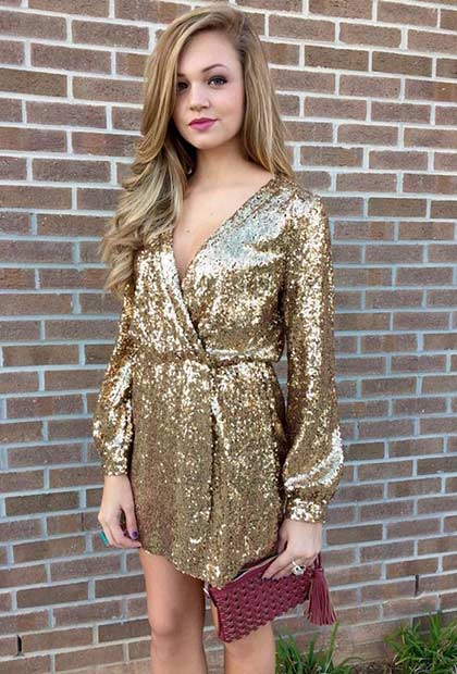 कम Gold Sequin Dress with Long Sleeves