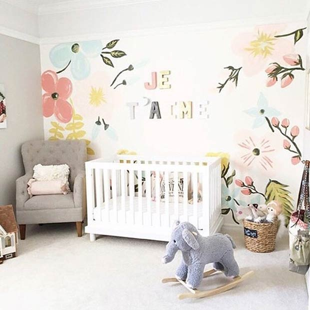 Флорал Wall Nursery Idea for Girls
