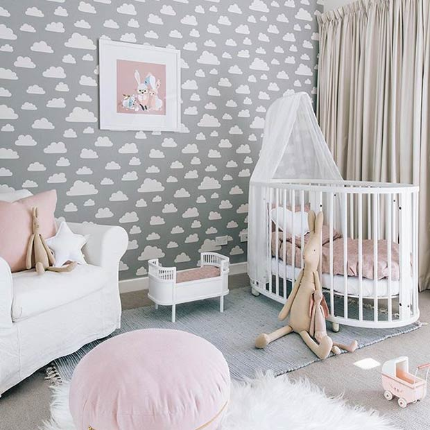 Слатко Grey and Pink Nursery Idea for a Baby Girl