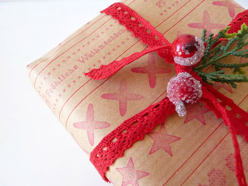 भूरा Paper Lace Christmas Gift Wrapping