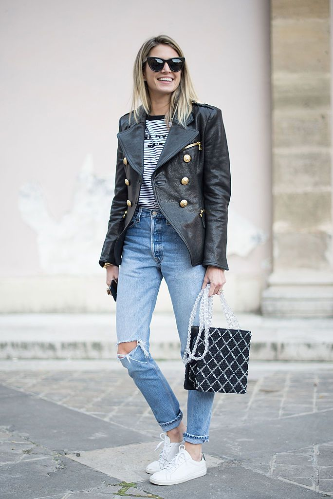 Izmos jeans and leather jacket street style