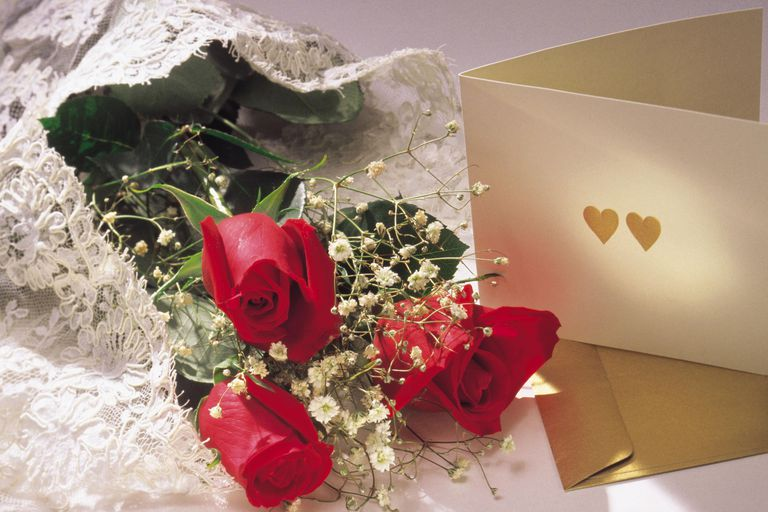 Valentin's card and flowers