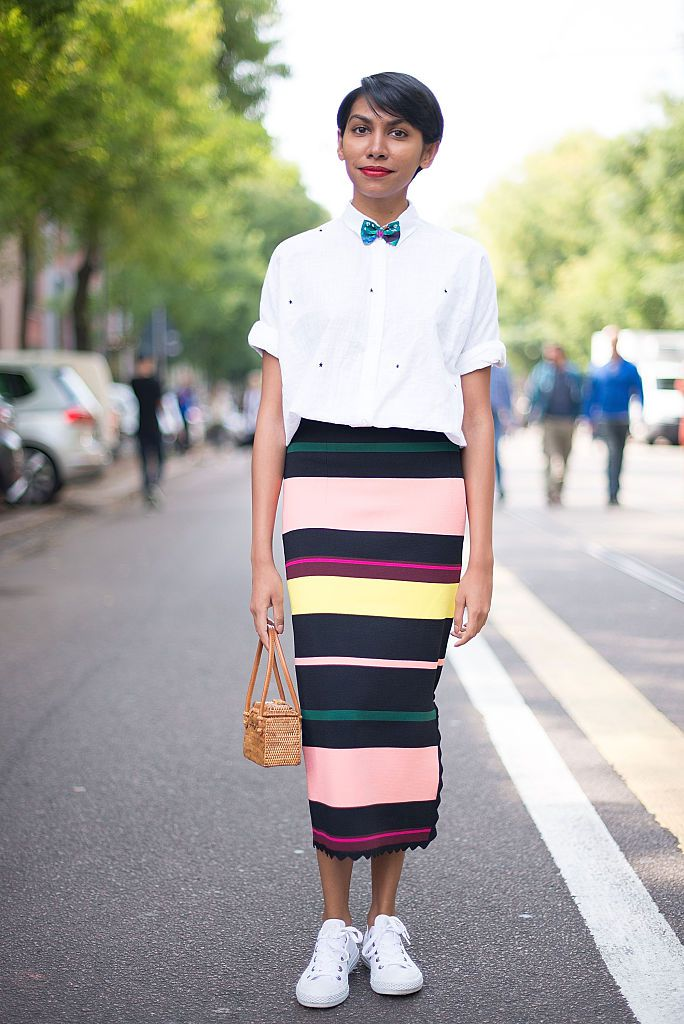 सड़क style outfit in white shirt and striped skirt