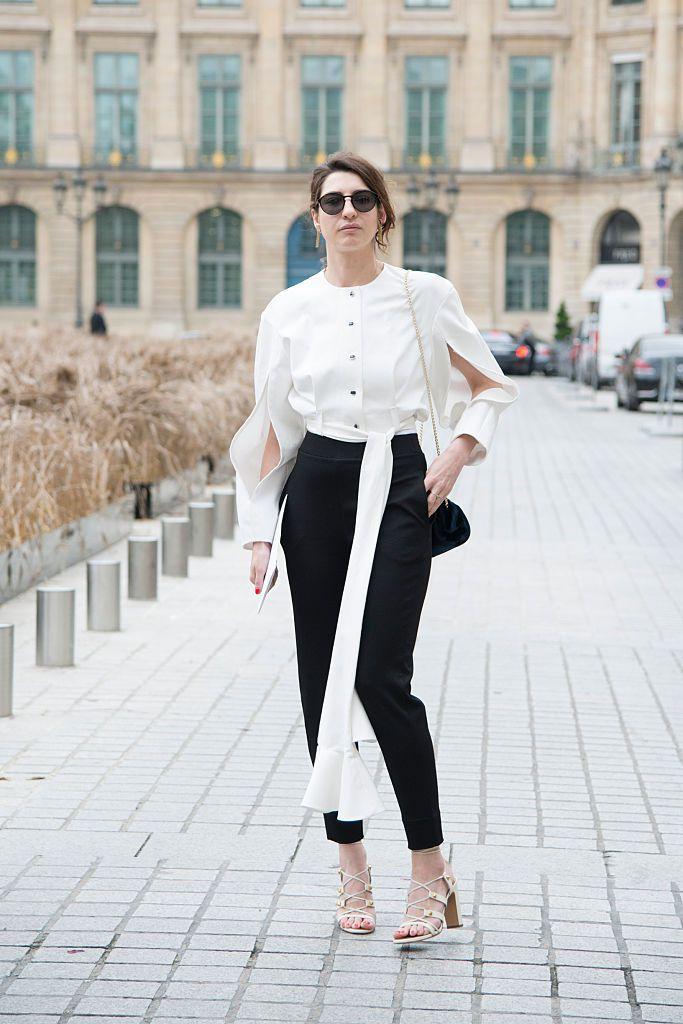 सड़क style black and white outfit