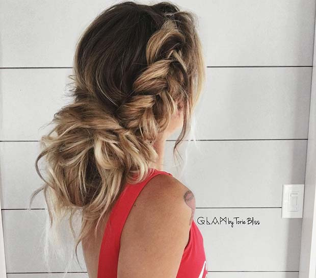 Сиде Fishtail Braid with Messy Bun for Beautiful Braided Updos