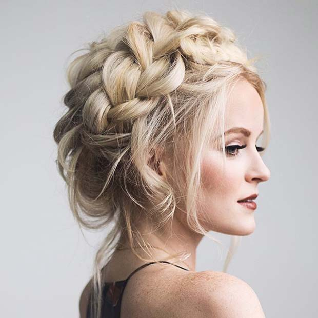 Blondă Braided Updo for Prom
