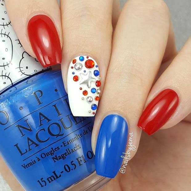 Rdeča, White and Blue 4th of July Nails