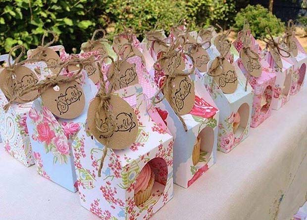 प्यारा DIY Cupcake Bridal Shower Favor
