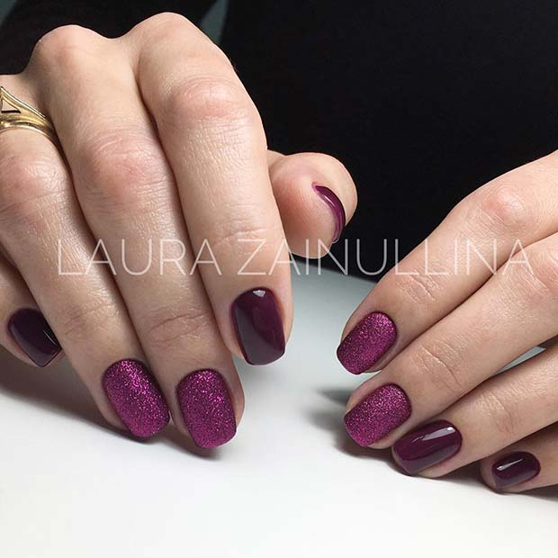 Elegáns and Simple Purple Nail Design
