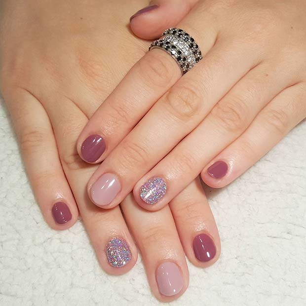 बैंगनी Shades and Glitter for Elegant Nail Designs for Short Nails