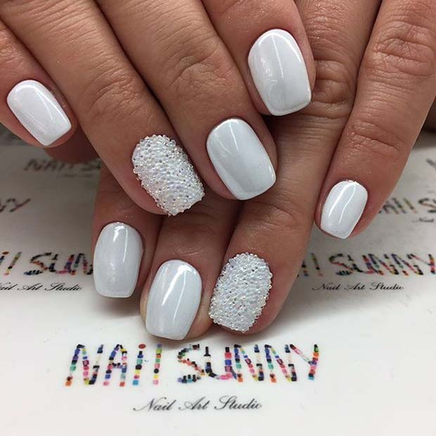 alb Manicure with Sparkle for Elegant Nail Designs for Short Nails