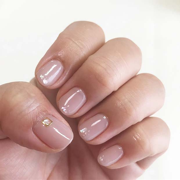 Ușoară Nails with Crystal Accent Nail for Elegant Nail Designs for Short Nails