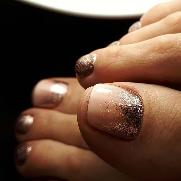 Пинк and Glitter Toe Nail Design