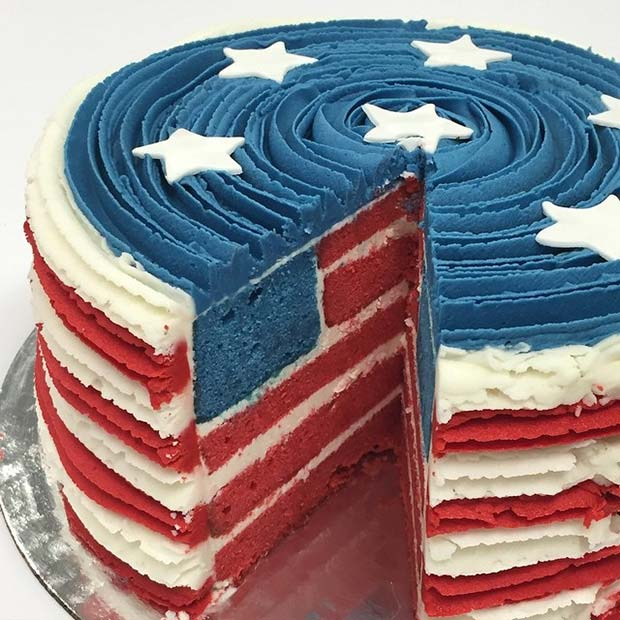 सितारे and Stripes Flag Cake for 4th of July Party Idea