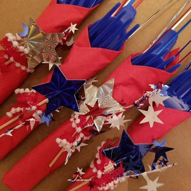 लाल, White, Blue and Stars Cutlery for 4th of July Party Ideas