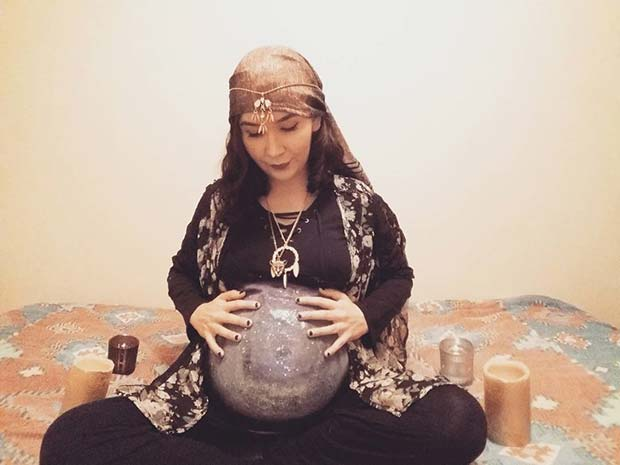 जिप्सी and Crystal Ball for Halloween Costumes for Pregnant Women