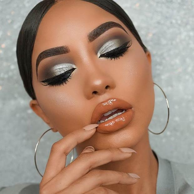 Dramatično Black and Silver Smokey Eye for Dark Skin