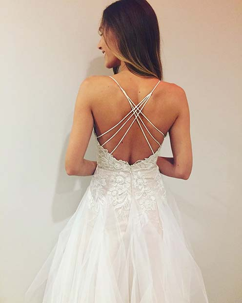 Цик-цак Back Detail on Summer Wedding Dresses for Brides