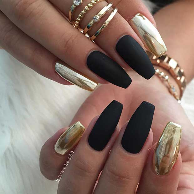 mată Black and Gold Metallic Nail Art Design