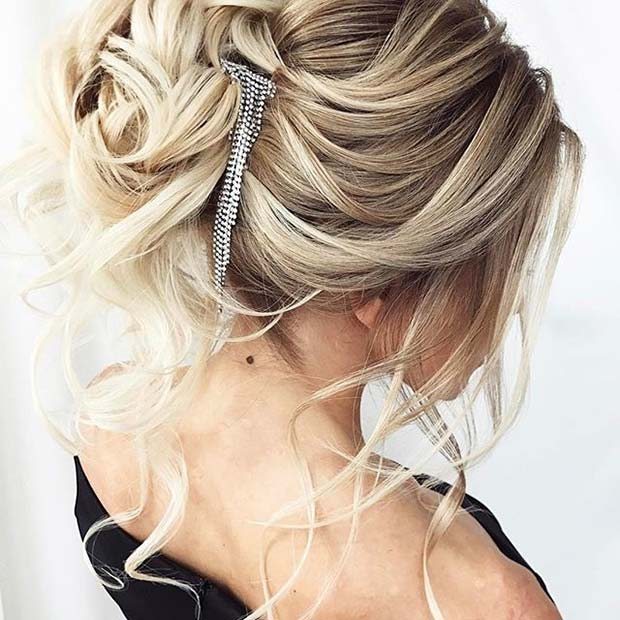 accessorized Loose Hair Idea for Prom