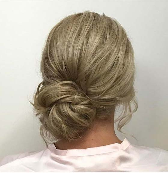 कम Side Bun for Prom Updo Idea