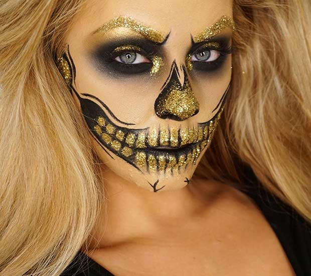 זוהר Black and Gold Glitter Halloween Makeup Look