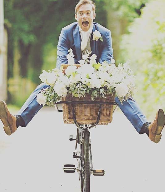 मज़ा Wedding Bicycles for an Outdoor Wedding