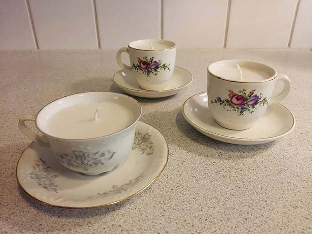 עשה זאת בעצמך Teacup Candles for DIY Christmas Gift Ideas