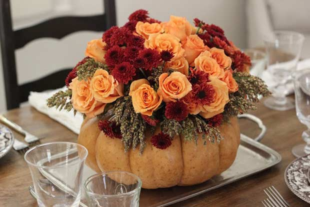 DIY Pumpkin Vase Centerpiece for Thanksgiving
