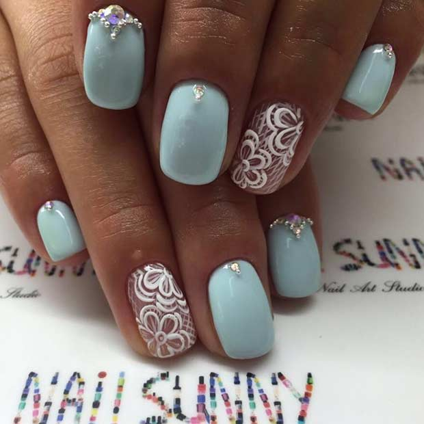 Пастел Blue and White Prom Nails