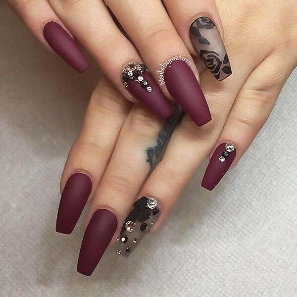 bourgogne Nails with Rose Accent Nail for Matte Nail Designs for Fall
