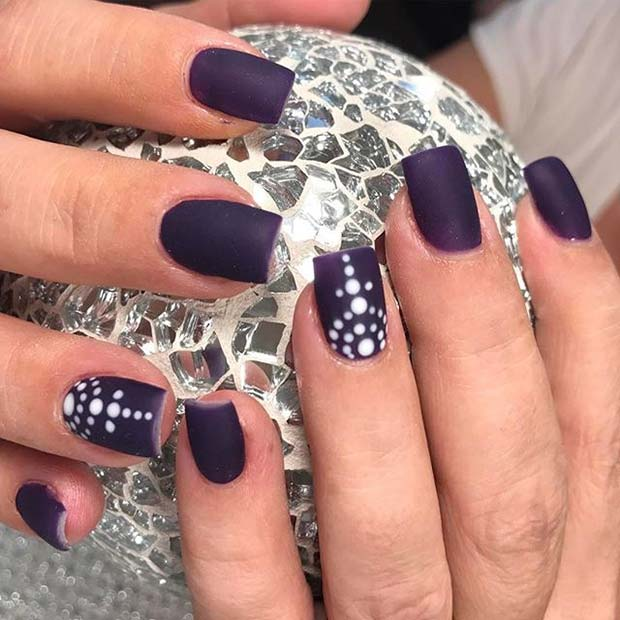 Vit Dotted Accent Nail for Matte Nail Designs for Fall