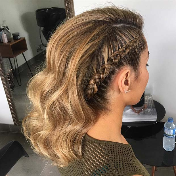 Тренди Side Braid Prom Hair Idea