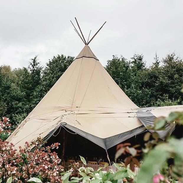 Stinkande Wedding Teepee Idea