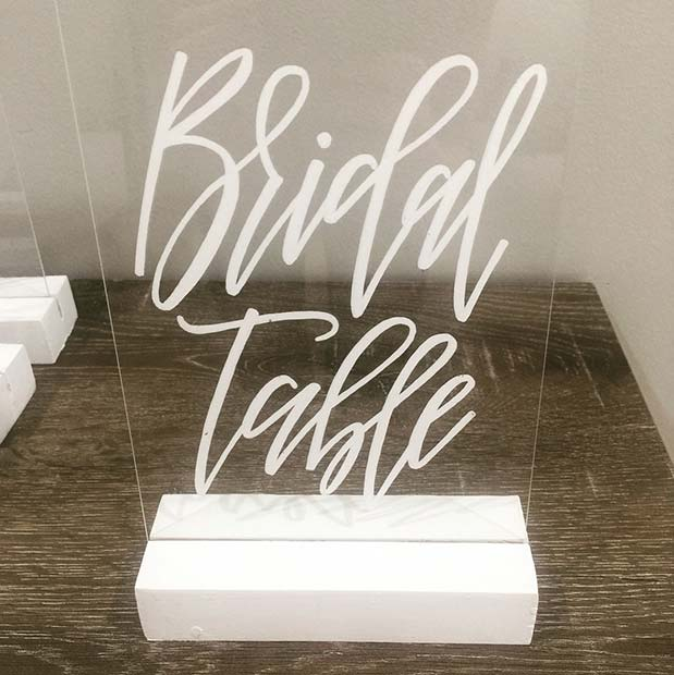 Snygg Bridal Table Sign Idea