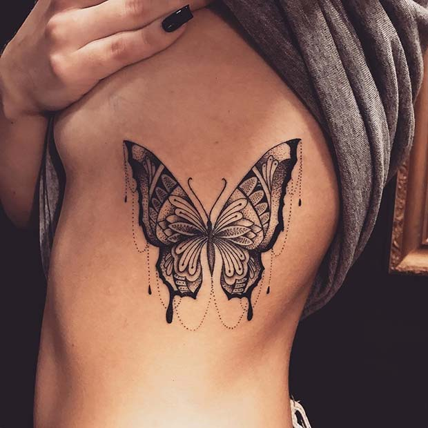 सुंदर Butterfly Rib Tattoo Idea