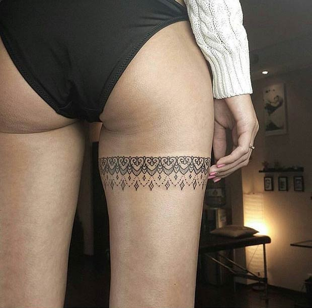 לַעֲטוֹף Up Lace Thigh Tattoo Design for Women