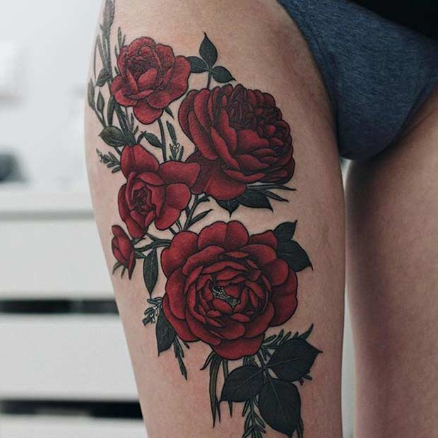 אָדוֹם Roses Big Thigh Tattoo Idea for Women