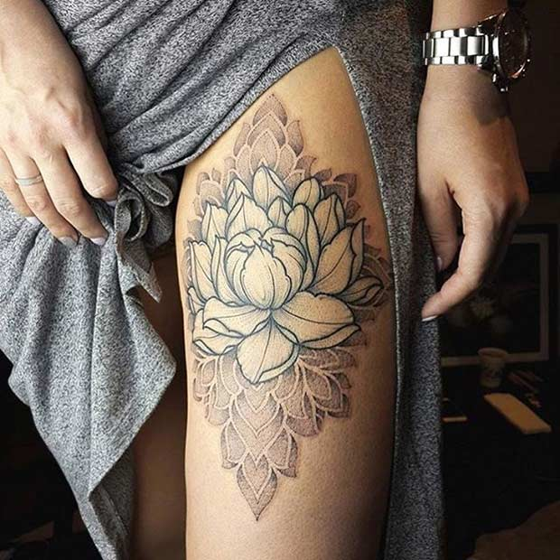לוֹטוּס Flower Thigh Tattoo Idea for Women