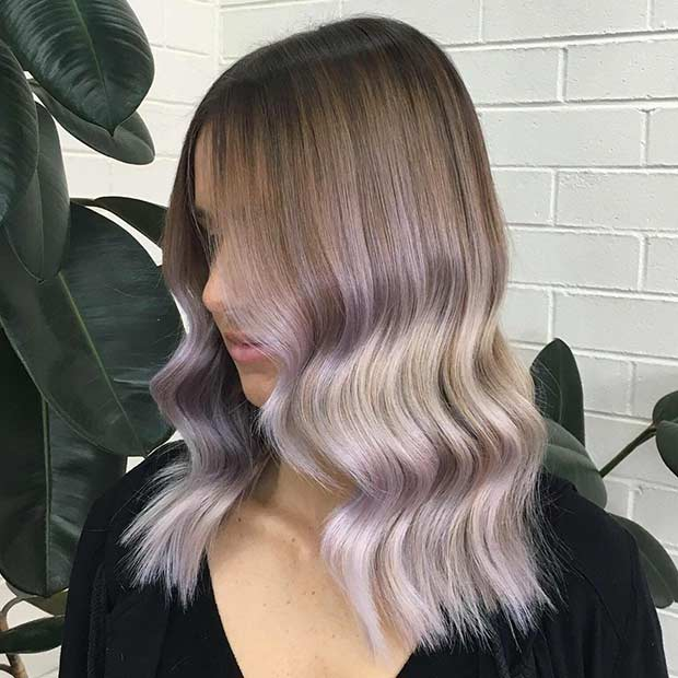 Srebrna Lavender Hair Color Idea