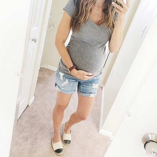 Farmer Shorts Pregnancy Summer Outfit