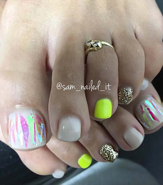 Parlak Neon Toe Nail Design for Spring