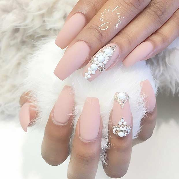 Semleges Matte Coffin Nail Design