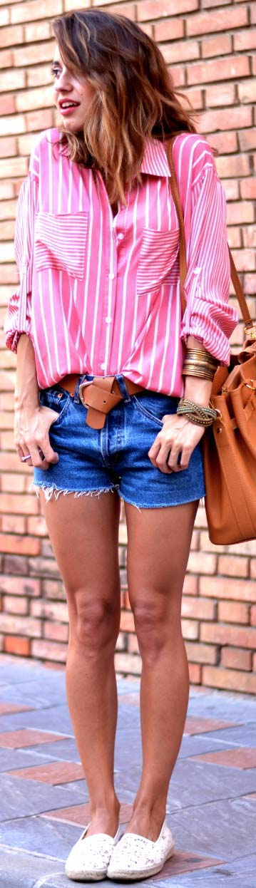 Lung Sleeve Blouse Denim Shorts Outfit